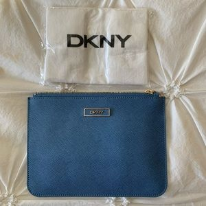 DKNY blue pouch💙